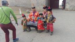 монгольская семья, фото на память